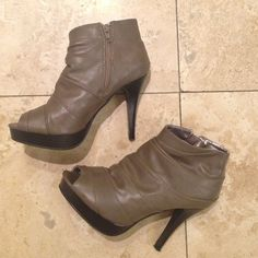 """👢👢Ankle boots!! Only worn twice!! Sexy ankle boots!  RAMPAGE Portia Brown Platform Fashion Ankle Boots Peep Toe 4.5"""" High Heels Womens Shoes Size 7M. Gently worn twice!! Great used condition!! Rampage Shoes Heeled Boots"""