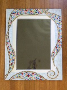The mosaic frame completed. by bernadette Mirror Mosaic, Mosaic Diy, Mosaic Crafts, Mosaic Projects, Diy Mirror, Mosaic Glass, Mosaic Tiles, Glass Art, Mosaics