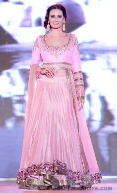 "Evelyn Sharma walks for ""support the girl child"" initiative in a Manish Malhotra lehenga"