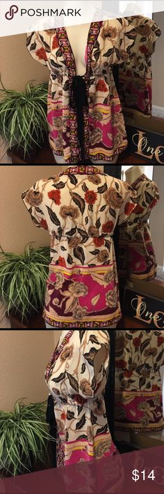 Beautiful Blouse🌟 Beautiful boutique Blouse in excellent condition, thanks for looking 😊 Tops Blouses