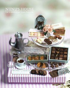 http://vittoriana.blogspot.co.uk/2013/07/a-miniature-tea-with-miniature-cake.html