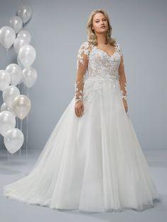 Plus Size Wedding Dresses Plus Wedding Dresses, Wedding Gown Sizes, Lace Wedding Dress, Plus Size Wedding, Wedding Dress Styles, Wedding Bride, Bridal Dresses, Wedding Gowns, Curvy Bride