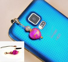 Cell phone charm with pink heart & plug or string for