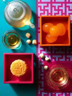 Enjoy inviting food with pleasing tools. Midnight Food, Tom Ford Perfume, Asian Tea, Tea Culture, White Lotus, Mid Autumn Festival, Moon Cake, Face Design, Low Sugar