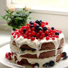 "Bezlepkový i bez laktózový ""naked cake' s rybízem a borůvkami Healthy Cooking, Cheesecake, Fit, Desserts, Tailgate Desserts, Deserts, Shape, Cheesecakes, Postres"