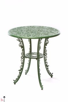 Furnishing table by Seletti – Exterior design for gardens and terraces.
