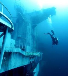 Looking for something exciting to do in Pensacola? Try going scuba on the USS Oriskany Aircraft Carrier off Pensacola, FL. John McCain served on this ship in the Vietnam war before it was sunk as an artificial reef. Abandoned Ships, Abandoned Places, Underwater World, Underwater Shipwreck, Underwater Ruins, Diver Down, Fauna Marina, Pensacola Florida, Ghost Ship