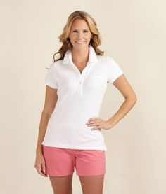 Vineyard Vines Shoreline Polo ... What a great outfit for golfing!