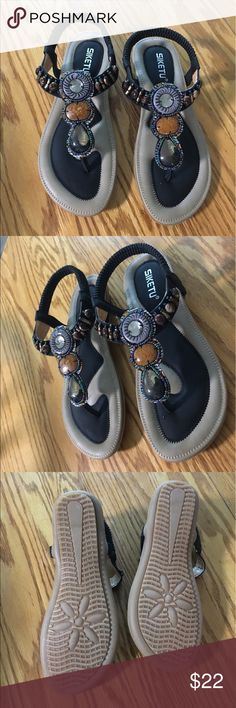 Siketu Comfort Boho Sandals NWOT Siketu cushioned sandals with stretch b4b57899f6e8