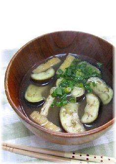 """Delicious eggplant miso soup with extra process""/ひと手間で美味しい""なすのお味噌汁"""