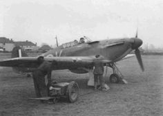 Hurricane Mk I SD-K, snapped by LAC Eric Marsden of No 145 Squadron RAF at RAF Westhampnett in 1940, was the regular mount of F/L Edward S Williams of No 501 Squadron RAF at Bétheniville, from where he claimed a Do 17 near Vouziers on the morning of 11 May and another on the afternoon of 12 May, before returning from Nantes to RAF Hendon as passenger on board a Harrow Mk II later the day.