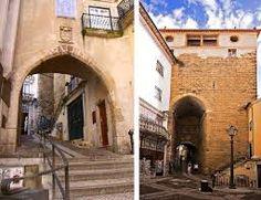 Arco de Almedina  https://www.facebook.com/DowntownCoimbra/timeline