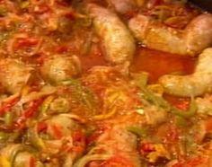 Chorizos a la pomarola hecho en paellera