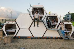 It's Official: This Honeycomb Tent Is The Future Of Festival Camping 4 Camping Info, Camping Pod, Tent Camping, Glamping, Camping Ideas, Campsite, Group Camping, Diy Camping, Camping Hacks