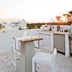 beach house : outdoor kitchen. I was JUST talking about how badly I wanted an outdoor kitchen... So necessary.