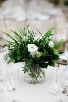 38 Lovely Wedding Table Decoration Ideas - HMDCRTN