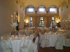 Angela Bartolini wedding in Tuscany allestimento con candelabri