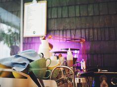 Mad Possum café in Helsinki - Keittiössä, kaupungissa Helsinki, Mad, Lily, Table Decorations, Home Decor, Decoration Home, Room Decor, Lilies, Dinner Table Decorations