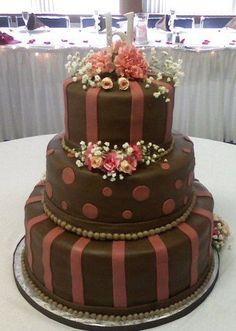 Wedding Cake by Sweet Beginnings by Kristan