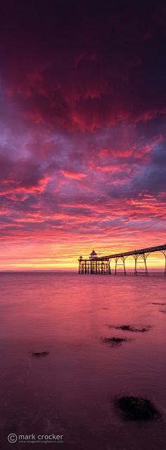Red rain ~ beautiful setting sun, Clevendon Pier, Somerset, England - photography by Mark Crocker Beach Paradise, Pretty Pictures, Cool Photos, Voyager C'est Vivre, Beautiful World, Beautiful Places, Image Nature, Beautiful Sunrise, Beautiful Beach