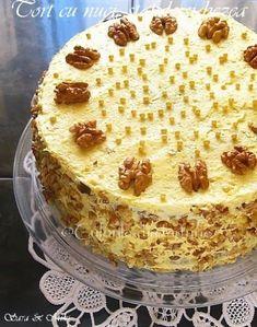 Romanian Desserts, Romanian Food, Sweets Recipes, Cake Recipes, Cooking Recipes, Delicious Desserts, Yummy Food, Homemade Sweets, Pavlova