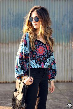 Boho Look | Fashion Coolture, bata boho, calça preta flare, bolsa com franjas