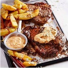 'n Goeie marinade kan jou tjop-en-dop tot 'n kulinêre fees verhef. Hier is 5 marinades en souse waarmee jy jou mense kan beïndruk. Lamb Ribs, Pot Roast, Food Inspiration, Steak, Pork, Cooking Recipes, Pumpkin, Favorite Recipes, Beef