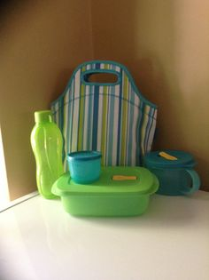 My new Tupperware lunch kit.