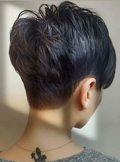Best Pixie Short Haircuts and Hairstyles Ideas for 2020 Cool Short Hairstyles, Unique Hairstyles, Pixie Hairstyles, Short Hair Lengths, Short Hair Cuts, Short Hair Styles, Pixie Haircut Styles, Short Pixie Haircuts, Best Pixie Cuts
