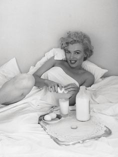 Marilyn Monroe breakfast
