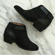 Worn 3x madewell leather and suede on trend bootie See last pic. Beautiful boots come with box. Suede and leather. Timeless piece goes with everything.  Cheaper on p p or merc . Discount bundles and all reasonable offers accepted. Make an offer!! Madewell Shoes Ankle Boots & Booties