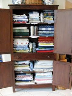 MAY DAYS: Table Linen Storage