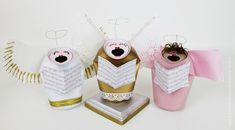 Make these cute retro Christmas angel carolers with a soda can and paint. Add some ribbon and a few extras and you've got some festive singing angels!