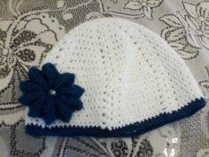 crochet hat with flower βελονακι σκουφακι με λουλουδι