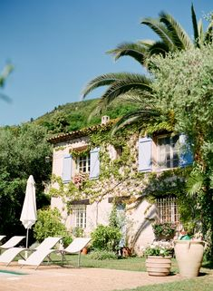 La Surprise Bed and Breakfast in Grasse - Riviera Francesa Bed And Breakfast, Beautiful Homes, Beautiful Places, Exterior, Provence France, French Countryside, French Riviera, South Of France, France Travel