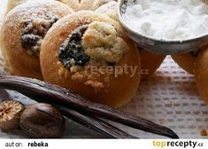 Koláčky jako kynuté, ale bez kynutí recept - TopRecepty.cz Muffin, Breakfast, Food, Morning Coffee, Essen, Muffins, Meals, Cupcakes, Yemek