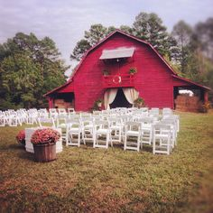 Barn wedding in Ingalls, Arkansas