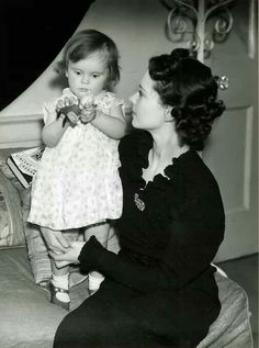 Vivien Leigh and daughter