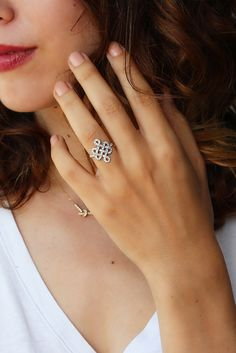 Gorgeous and unique Tibetan endless love Knot Diamond Ring, Gold Wedding Ring, Gold Anniversary Ring, Ct Diamond Ring, Wedding Jewelry Gold Wedding Rings, Wedding Ring Bands, Wedding Jewelry, Rose Gold Jewelry, Diamond Jewelry, Diamond Rings, Jewelry Rings, Fine Jewelry, Jewellery