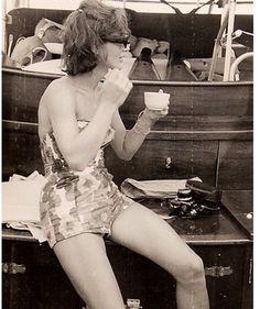 Jackie Kennedy, first lady USA), Cape Cod, 1961 Jackie Oh, Jackie Kennedy Style, Jacqueline Kennedy Onassis, Jaqueline Kennedy, Ted Kennedy, John Kennedy, Jaclyn Kennedy, Photos Rares, John Fitzgerald