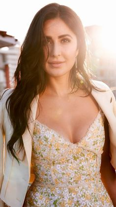 JerkOffToDesiCelebs is the best place to share and jerk off to images/videos of your favorite female Indian celebrities. Katrina Kaif Bikini, Katrina Kaif Hot Pics, Katrina Kaif Images, Katrina Kaif Photo, Bollywood Actress Hot Photos, Indian Actress Hot Pics, Most Beautiful Indian Actress, Indian Actresses, Bollywood Images