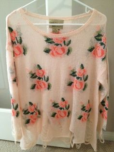 I love slouchy sweaters with a nice print :) got to love floral