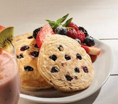 Hot cakes integrales con blueberries