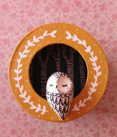 Petit Cadre magique Ma Forêt - diorama de oMamaWolf sur DaWanda.com Diy Clay, Clay Crafts, Paper Crafts, Handmade Crafts, Diy And Crafts, Arts And Crafts, Handmade Ceramic, Handmade Pottery, Clay Miniatures