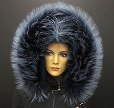 Luxusní kožešina na kapuci s maximálním objemem v modré barvě #real#fur#kozesina#kapuci#modra#blue Hoods, Blues, Winter Hats, Wonder Woman, Fur, Superhero, Women, Fashion, Moda