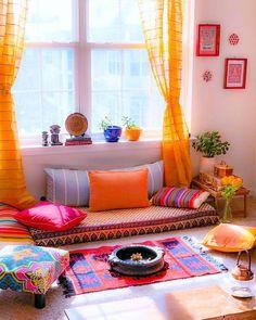 New Living Room Floor Seating Interiors Ideas Colourful Living Room, New Living Room, Living Room Decor, Indian Living Rooms, Small Living, Living Spaces, Ethnic Home Decor, Indian Home Decor, Moroccan Decor