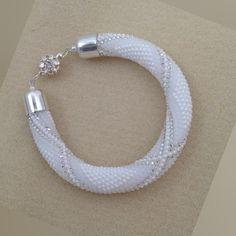 Crochet Bracelet Pattern, Beaded Necklace Patterns, Crochet Beaded Bracelets, Bead Crochet Patterns, Bead Crochet Rope, Seed Bead Patterns, Beaded Crafts, Bracelet Patterns, Beaded Jewelry