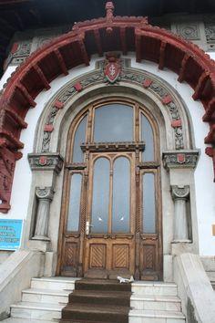 Romania, Big Ben, The Incredibles, Doors, Architecture, Building, Travel, Windows, Decorated Doors