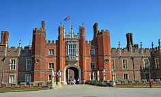 Built for Thomas Wolsey in 1514, but taken from him by King Henry VIII a few years later. Used by the royals for many years, notably William III who rebuilt much of it. It's now a popular tourist attraction. This is the main entrance or 'Great Gate'.