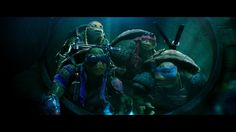 Raph always looks so awesome! No matter when you pause the movie he looks amazing :)))